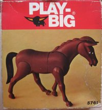 5761 Playbig Pferd Majestus
